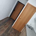 Вид комнаты которую только что провела отделку в центре города от лучшей Компании по отделке в Тюмени